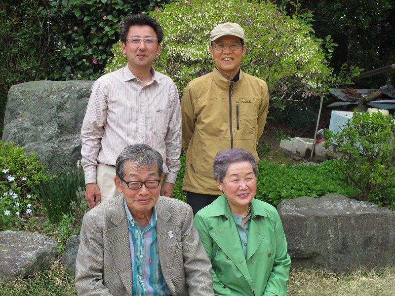 ソーラーシェアリング開発者の長島彬氏(上段右)